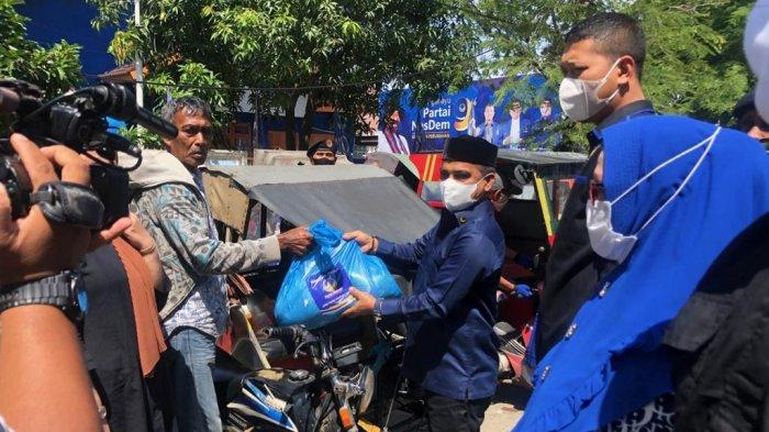 Jelang Idul Fitri, Partai NasDem Aceh Bagikan 2.000 Paket Sembako ke Warga Kurang Mampu