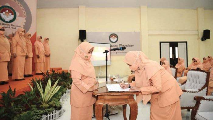 Ketua DWP Aceh Kukuhkan Kepengurusan 14 SKPA