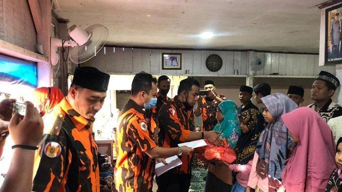 Jelang Lebaran Idul Fitri, Pemuda Pancasila Banda Aceh Santuni Yatim