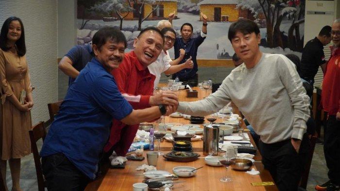 Jamuan Makan Malam Warnai Sambutan Ketua Umum PSSI untuk Kedatangan Shin Tae-yong