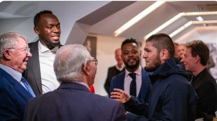 Kunjungi Stadion Klub Inggris, Khabib Nurmagomedov Tolak Anggur Sir Alex hingga Ingin Gebuk Suporter