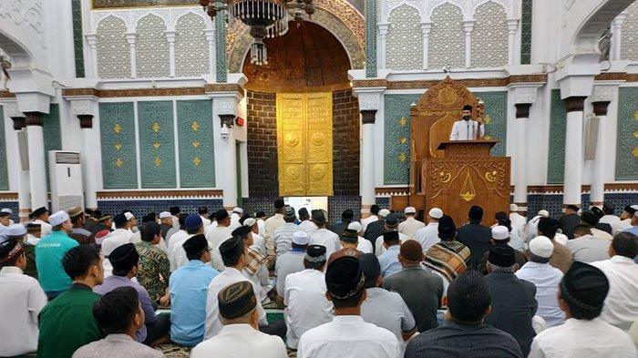 Khatib Idul Adha: Masyarakat Aceh Sendiri yang Nyinyir terhadap Pelaksanaan Syariat Islam