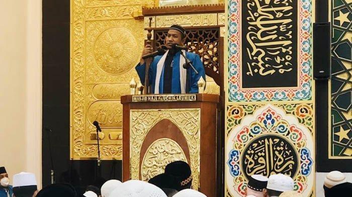 Khutbah Jumat Terakhir Ramadhan 1442 di Masjid Haji Keuchik Leumiek: Tiga Tanda Sukses Puasa
