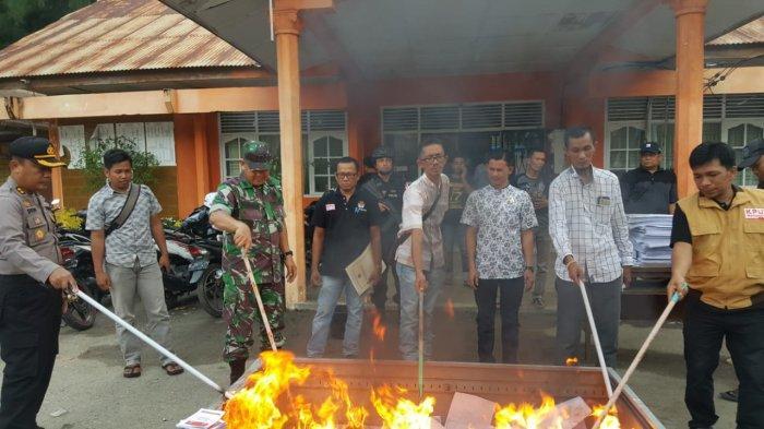 Saudara Kandung Ikut Nyaleg, Komisioner KIP Aceh Selatan Diprotes