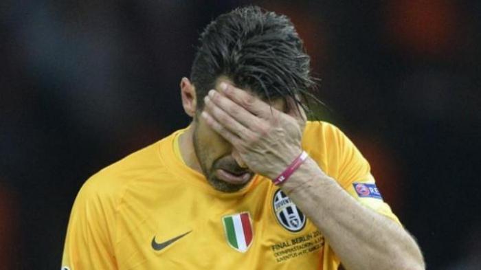 Pemain Ini Pernah Pergoki Andrea Pirlo dan Gianluigi Buffon Merokok di Toilet