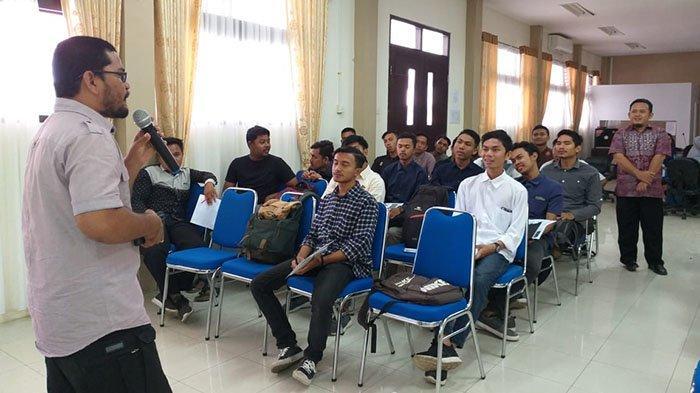 Produser Kompas TV Aceh Bedah 20 Karya Video di Klinik Jurnalistik UIN Ar-Raniry Banda Aceh
