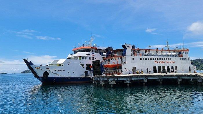 Gelombang Tinggi Capai 5 Meter, KMP Teluk Sinabang dan Kapal Aceh Hebat 1 Tidak Berlayar di Simeulue