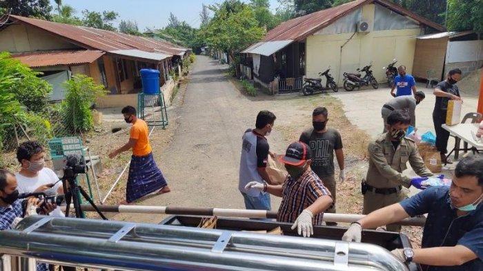 Koalisi NGO HAM Aceh Bantu Keluarga Polisi yang Sedang Isolasi Mandiri di Aceh Besar