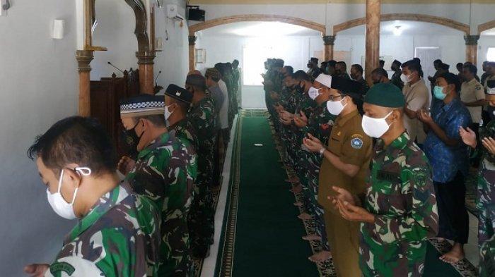 Doakan Awak KRI Naggala 402, Prajurit Kodim 0107/Aceh Selatan Gelar Shalat Ghaib dan Doa Bersama