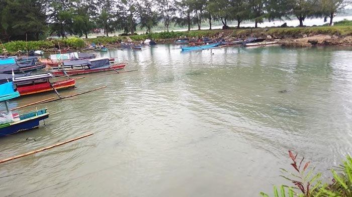Nelayan Simeulue Tengah Keluhkan Kolam Tambatan Perahu Dangkal