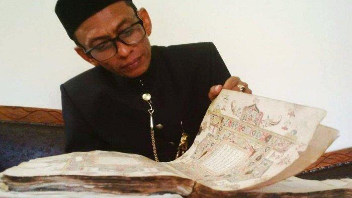Tata Bahasa dalam 'Kitab Suci Aceh' Sangat Orisinil, Kolektor Naskah Kuno Curiga: Jangan-jangan