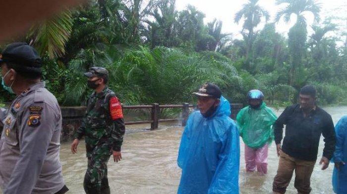 Banjir Simeulue Meluas Landa 6 Kecamatan, Tanah Longsor dan Jembatan Amblas