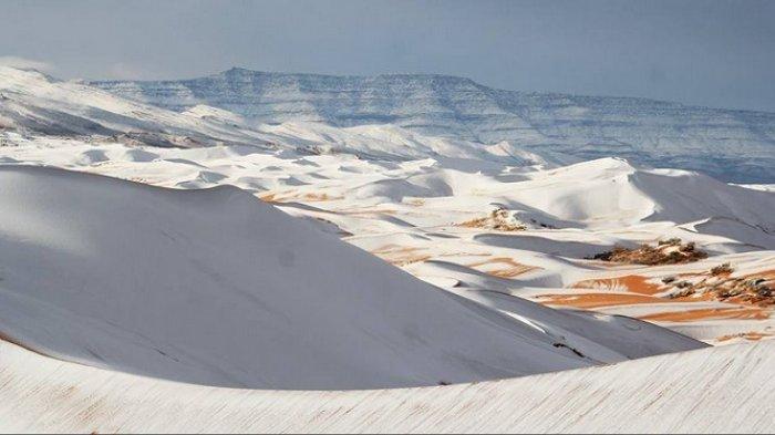 Gurun Sahara Salah Satu Tempat Terpanas di Dunia Mendadak Diselimuti Salju, Pertanda Apa Ini?