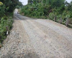 Jalan Gunung Lingkar Tuwie Priya Membahayakan, Masyarakat Minta Dipasang Rambu Jalan