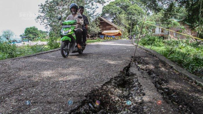 FOTO - Kondisi Terkini Fenomena Tanah Bergerak di Lamkleng Aceh Besar - kondisi-tanah-bergerak-di-desa-lamkleng-4.jpg