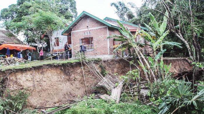 Hari Ini, Tanah Bergerak di Lamkleng Turun 50 Sentimeter, Total Penurunan Sudah Mencapai 4 Meter