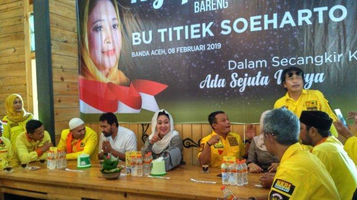 Sebelum Galang Konsolidasi, Titiek Soeharto Pilih Ngopi Bareng Kader Partai Berkarya Aceh