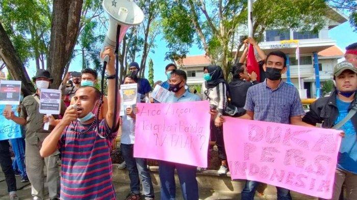 Jurnalis di Lhokseumawe Gelar Aksi, Minta Polisi Usut Kasus Kekerasan Terhadap Wartawan di Surabaya