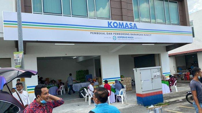 Koperasi MASA Kuala Lumpur Berhad (KOMASA), Kamis (26/11/2020), membuka toko grosir di Malaysia yang beralamat di Jalan Ehsan Perdana 4, No. 19 & 21, Taman Ehsan Jaya, Pandaraman, 42000 Pelabuhan Klang, Selangor.