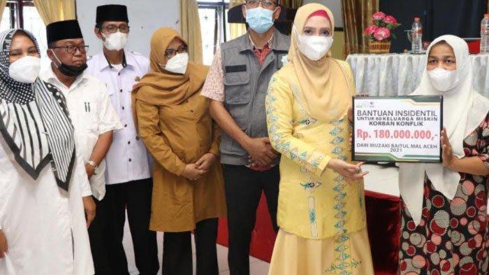 TP PKK Aceh Salurkan Bantuan Bagi 60 Korban Konflik Aceh di Pijay