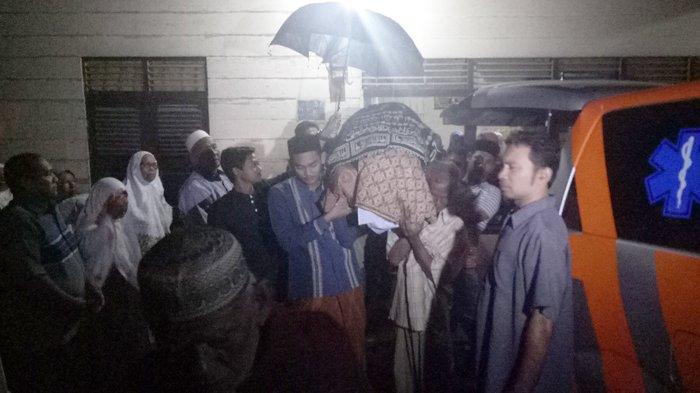 Guru Honor yang Diduga Korban Pembunuhan di Banda Aceh Dikebumikan Pukul 4.30 Dinihari