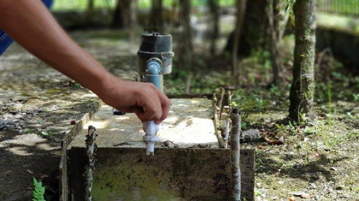 Atasi Krisis Air Bersih di Simeulue, PDAM Tirta Fulawan Angkut Air Gunakan Mobil Tangki