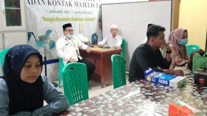 KUA Simpang Kiri Layani Warga dan Pasangan Catin di Ruang Masjid Agung Subulussalam