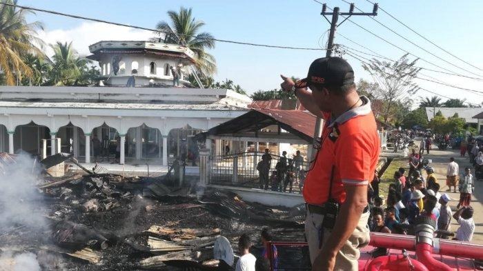 Diduga Ini yang Menyebabkan Kubah Masjid Taqarrub di Pirak Timu Terbakar