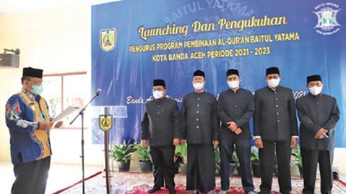 Aminullah Kukuhkan Pengurus Baitul Yatama Kota Banda Aceh
