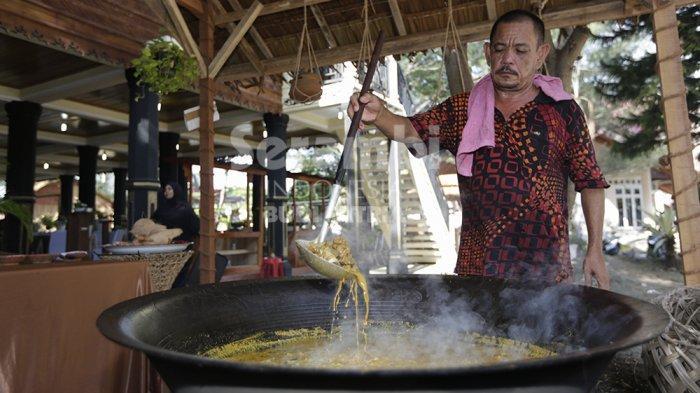 FOTO-FOTO : Memek, Kuliner Unik Dari Simeulue Pada Aceh Culinary Festival - kuliner-aceh_2.jpg