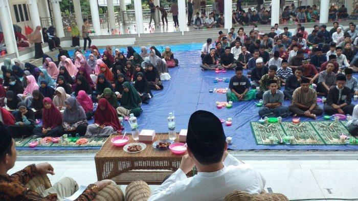Tiap Jelang Berbuka, Ada Kultum oleh Tokoh Top di Masjid Jamik Darussalam