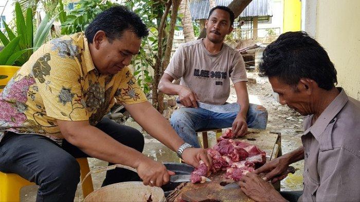 Potong Tiga Ekor Lembu, DPD II Golkar Pidie Salurkan 347 Paket Daging Kurban