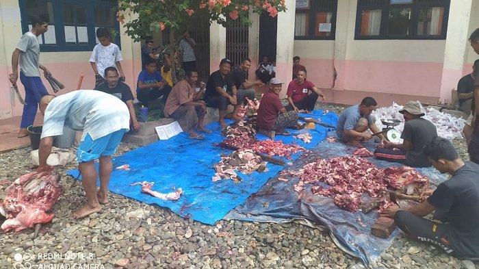 Warga Gampong Pisang Aceh Selatan Sembelih 11 Ekor Sapi dan 3 Ekor Kambing