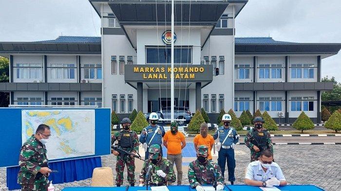 TNI AL Tangkap Dua Pria Jaringan Malaysia Membawa 4 Kg Sabu di Tanjung Balai Karimun Kepri