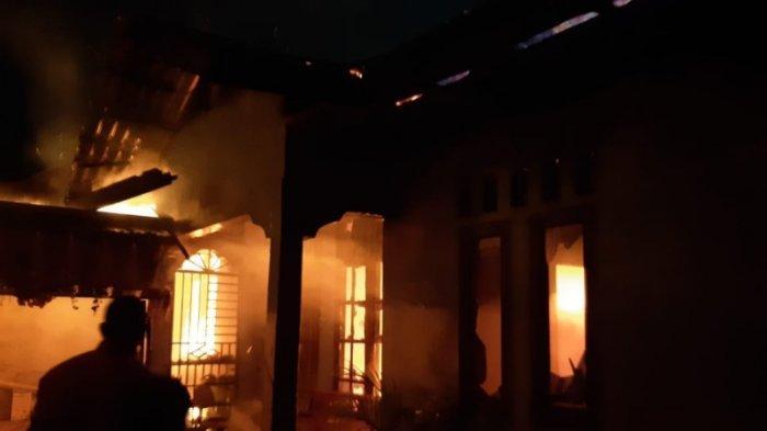 Penghuni tak di Tempat, Satu Rumah Serta Isinya di Samalanga Ludes Terbakar, Begini Kejadiannya
