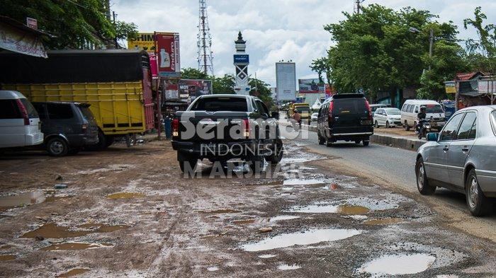 FOTO- FOTO: Kubangan di Bundaran Lambaro Aceh Besar - lambaro3.jpg
