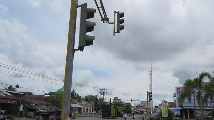 Traffic Light Depan Pendopo Bupati Gayo Lues Padam, Arus Lalu Lintas Semrawut, Rawan Kecelakaan