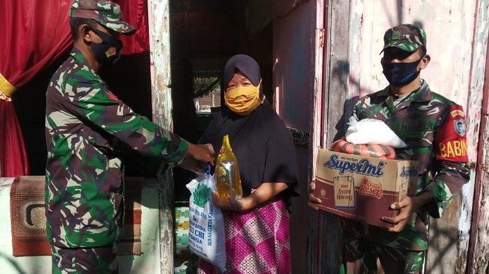 Puluhan Lansia di Aceh Jaya Dapat Bantuan Sembako