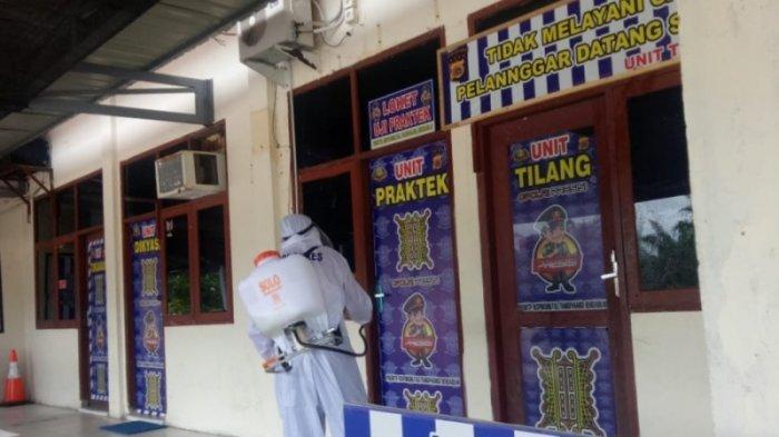 Ruang Satlantas Polres Aceh Singkil Disemprot Disinfektan