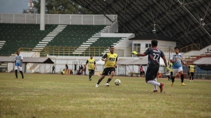 Legend Sigupai Kalahkan Ditlantas Zebra FC 4-2, Dhien Kallon Sumbang Gol