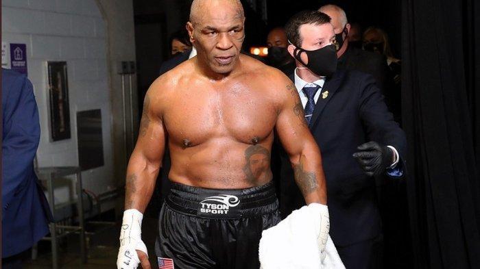 Mike Tyson Menganggap, Floyd Mayweather Adalah Petinju Mata Duitan