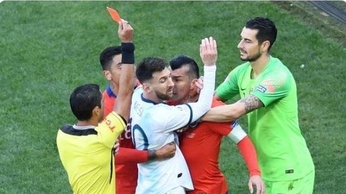 Rekor Messi Bela Timnas Argentina Lawan Cile, Gagal Penalti hingga Diusir Wasit Pakai Kartu Merah