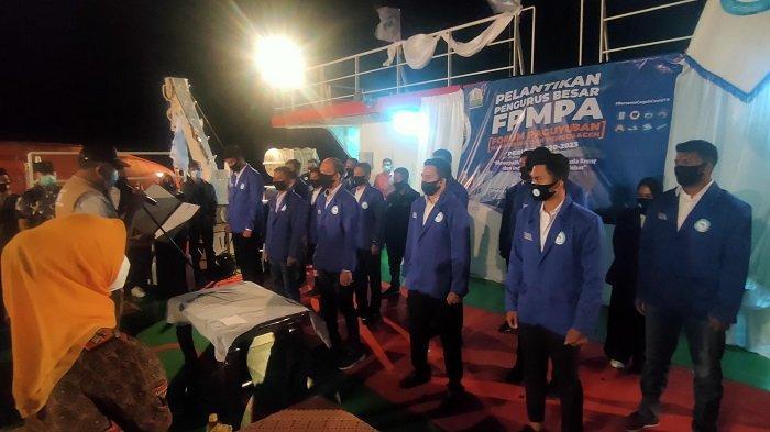 Gubernur Lantik FPMPA di Geladak Kapal Aceh Hebat 1