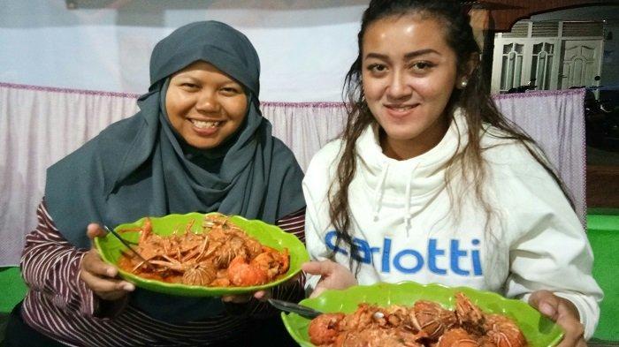 Menikmati Lobster Asam Manis, Kuliner Khas Pulau Banyak