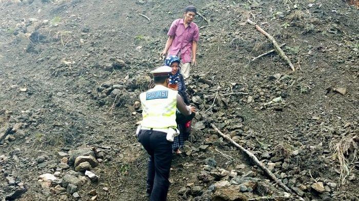 Lintasan Blangkejeren Pining Tertimbun Longsor, Arus Transportasi di Lumpuh Total
