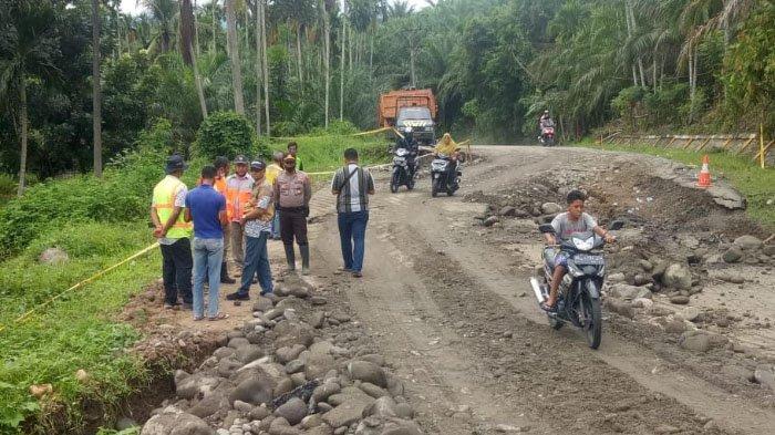 Hujan Masih Guyur Bireuen, Pelintas di Jalan Nasional Bireuen-Takengon Diminta Waspada