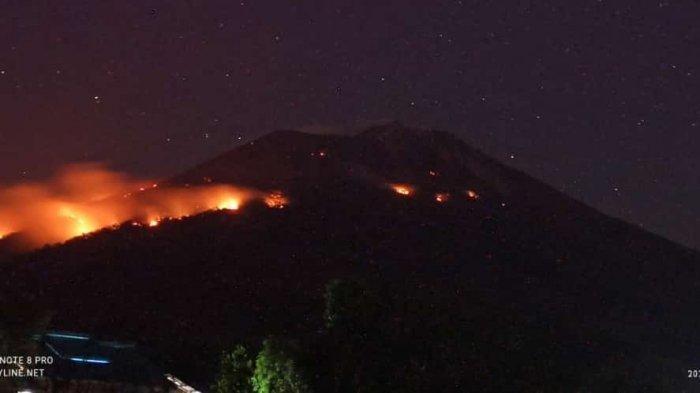 Lontaran Lava Pijar Erupsi Gunung Ile Lewotolok Picu Kebakaran Hutan dan Lahan,Api Sulit Dipadamkan