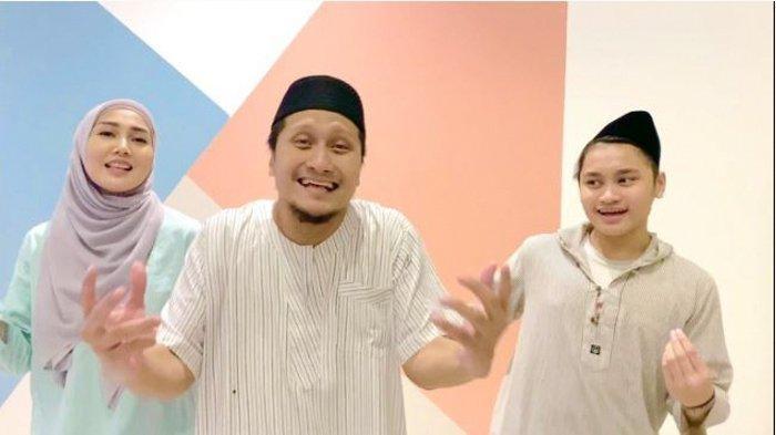 Lucunya Arie Untung Bangunkan Sahur Sambil Nyanyikan Lagu 'WATEE KA SAHOE'  Dari Aceh