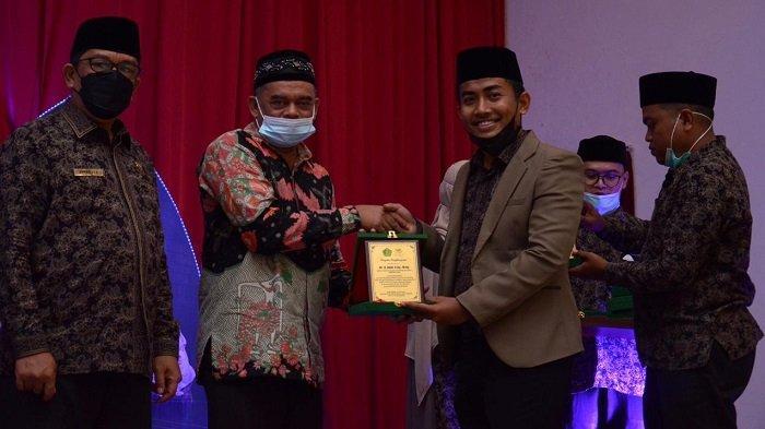 Kakanwil Kemenag Aceh Launching Lima Buku Karya KKG PAI MI Aceh Besar