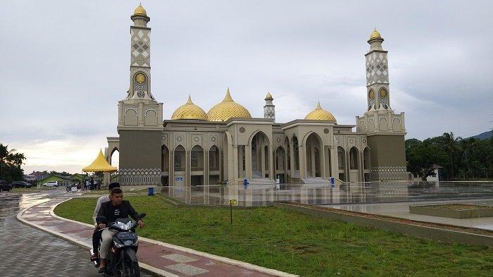 Kemegahan Masjid Agung Baitul Ghafur Abdya, Jadi Destinasi Wisata Religi, Mampu Tampung 4.200 Jamaah